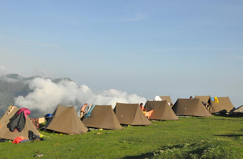 camp and trek himachal pradesh tour