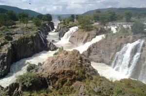 Hogenakkal-Water-Falls-Tamil-Nadu