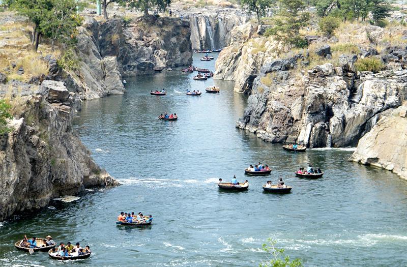 Kaveri River Hogenakkal Tamil Nadu