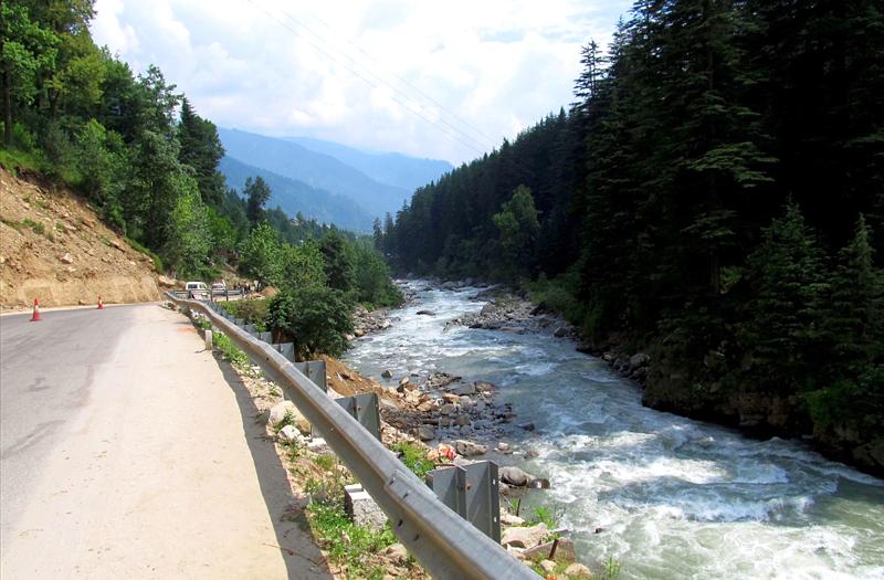 Leh-Highway Solang Manali Himachal Pradesh