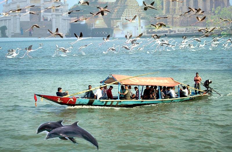 chilika-sagar-lake-orissa-india