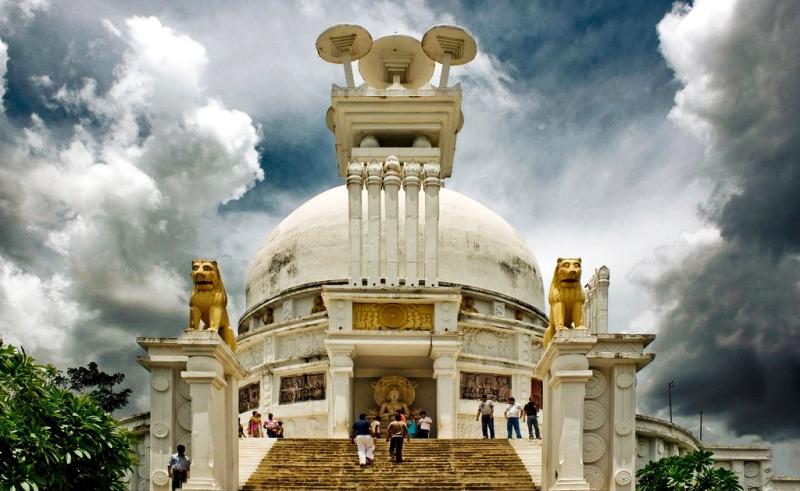 dhauli-giri-shanti-stupa-orissa