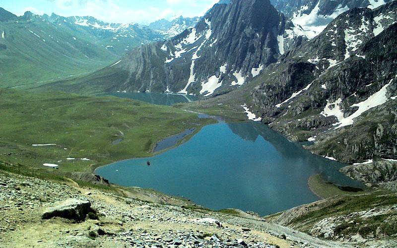 krishnasar-lake-sonamarg