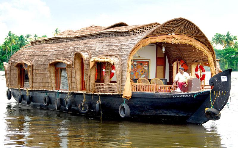 kumarakom-houseboat-kerala