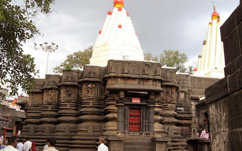 mahalaxmi-temple-maharashtra
