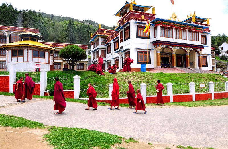 bomdila-monastery-bomdila-arunachal-pradesh