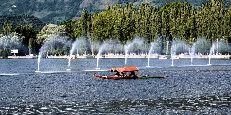 dal-lake-srinagar-kashmir