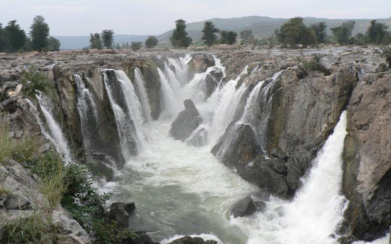 hogenakkal falls salem india