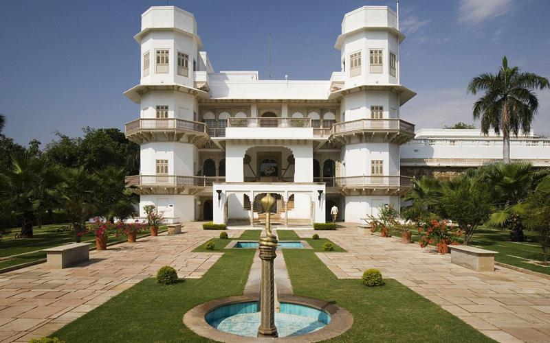 hotel in gwalior india