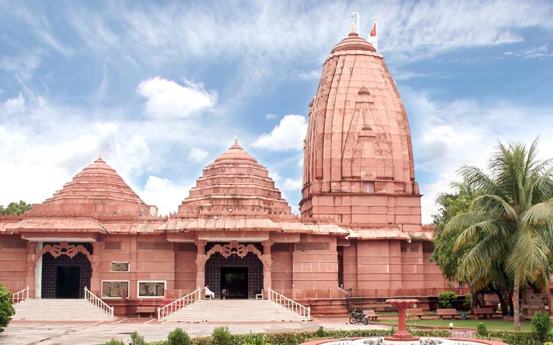iskcon temple in surat india