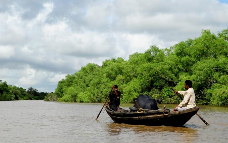 river in cuttack india tour