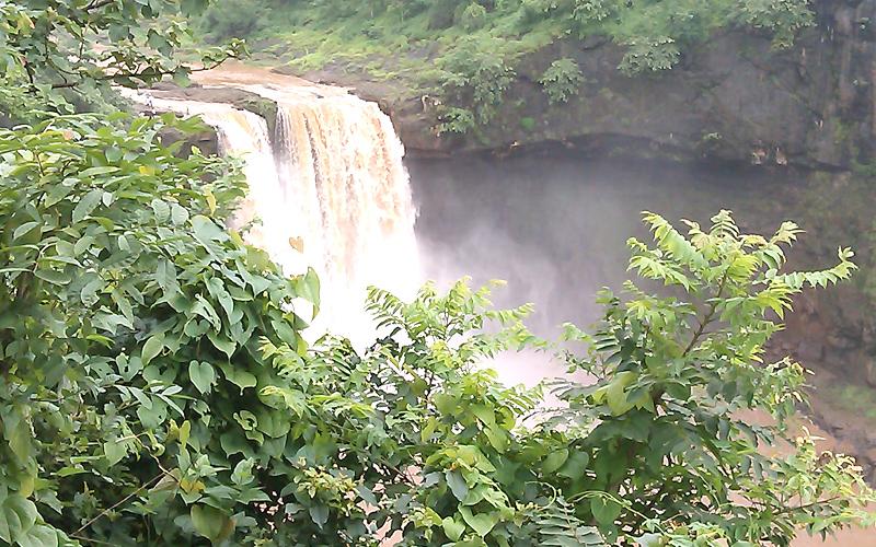 waterfalls in surat india