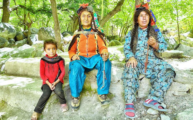 aryan village family india