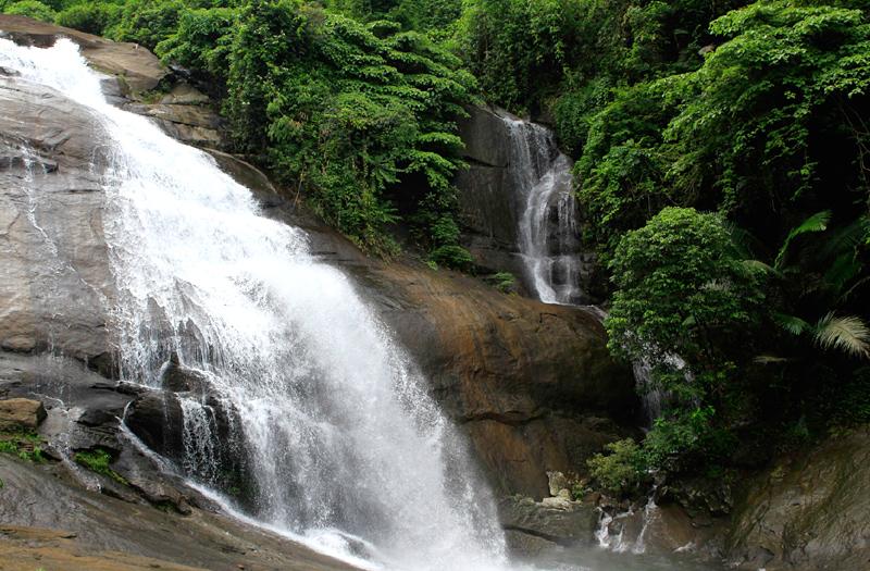 waterfalls in kozhikode india