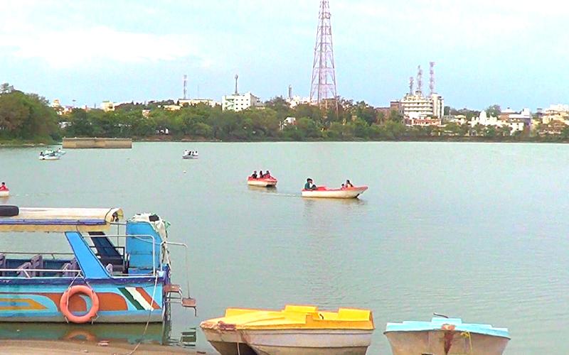 gulbarga-lake-india