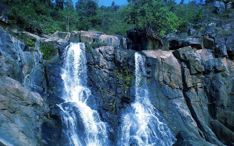 rajpuri-waterfall-india