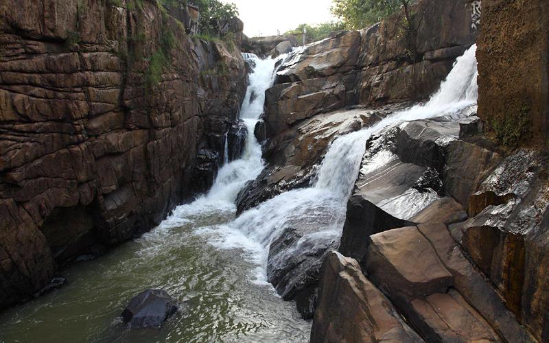 rani-dah-waterfall-india