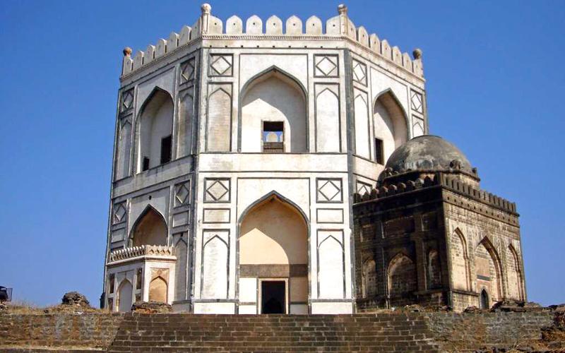 chaukhandi-of-hazrat-khalil-ullah-india
