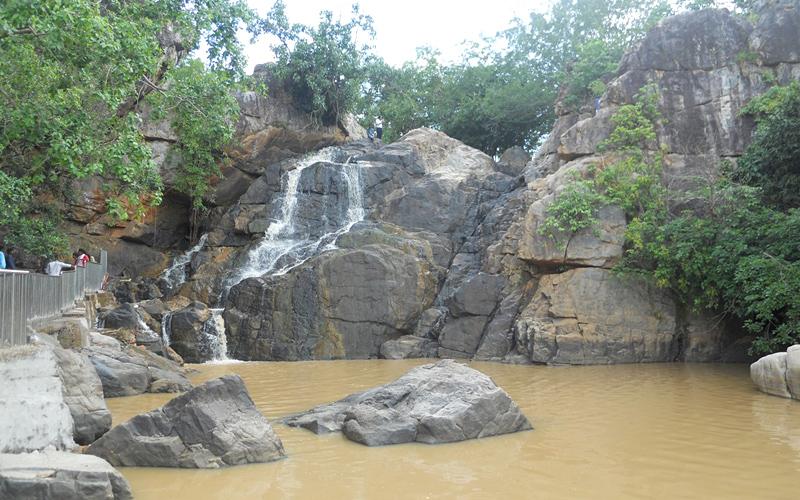 gandahati-waterfalls-india