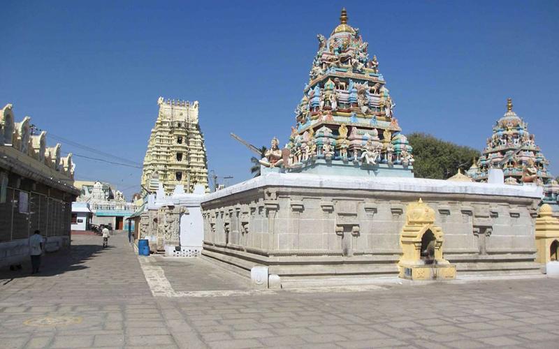 sri lakshmi-narsimha-swamy-temple-india