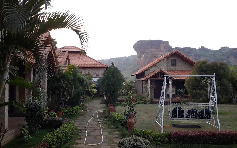 hotel-nakshatra-india