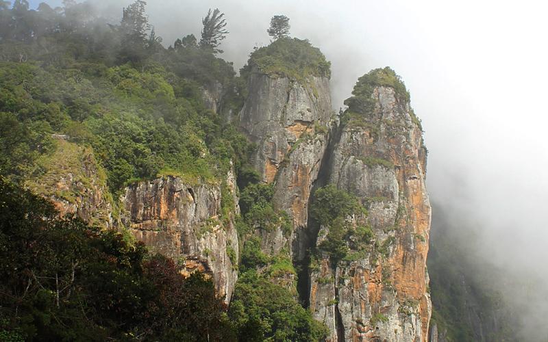 pillar-rocks-india