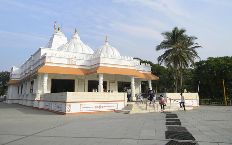shri-sai-baba-temple-india