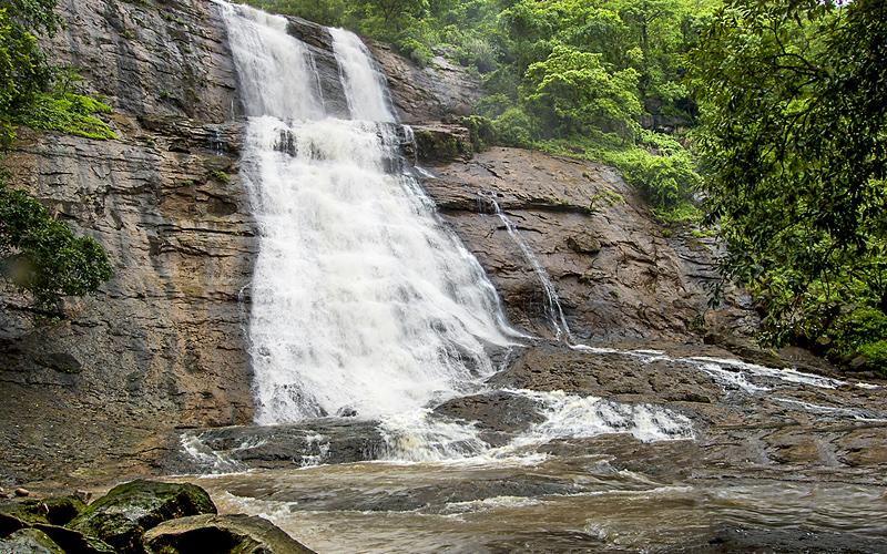 garambi-falls-raigad-india