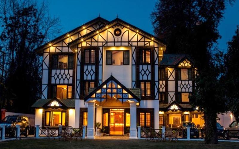pine-spring-hotel-near-budgam-india