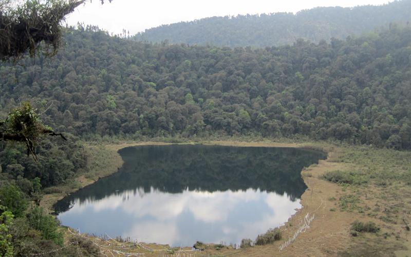 khecheopalri-lake-india