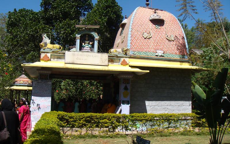 sri-raja-rajeswari-temple-india