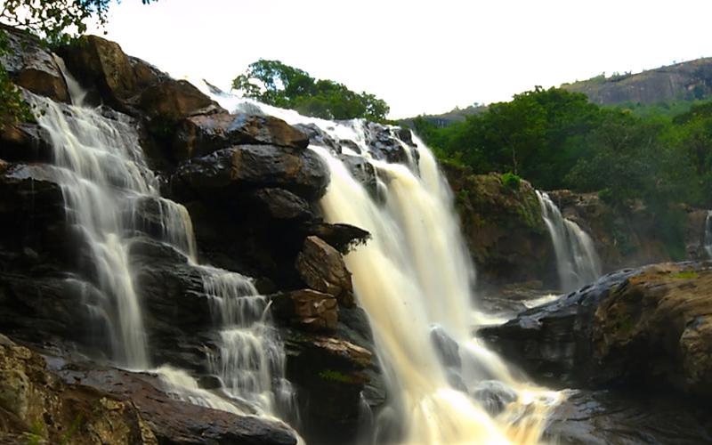 thoovanam-falls-india
