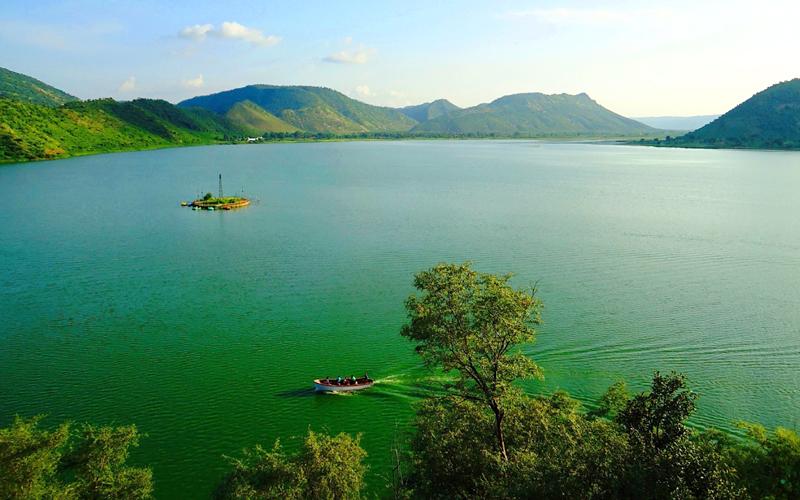 siliserh-lake-india
