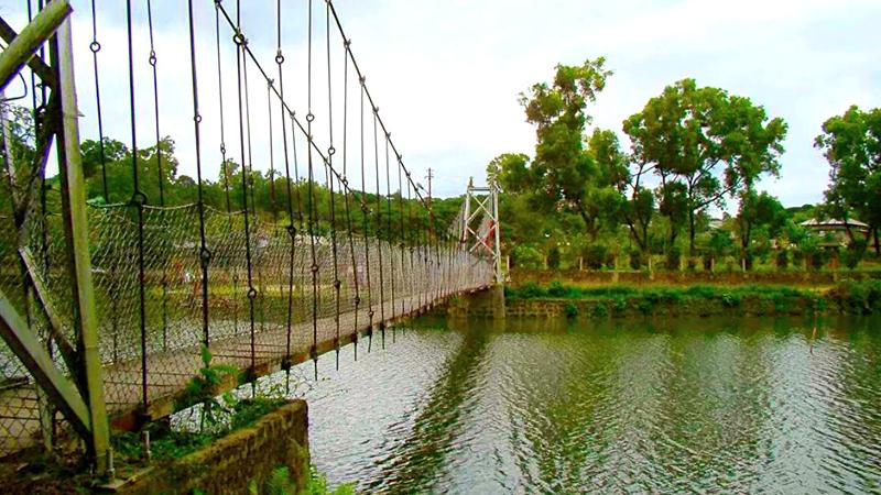 hanging-bridge-india