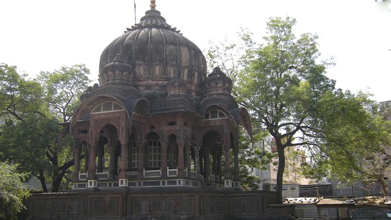 aath-kambh-chhatri-india