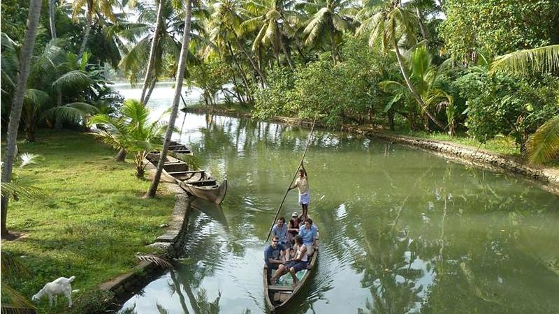 munroe-island-boating