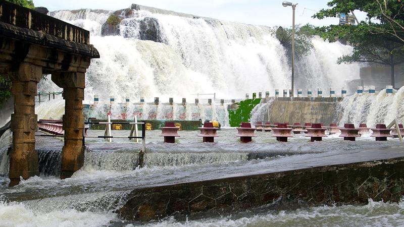 thirparappu-falls-india