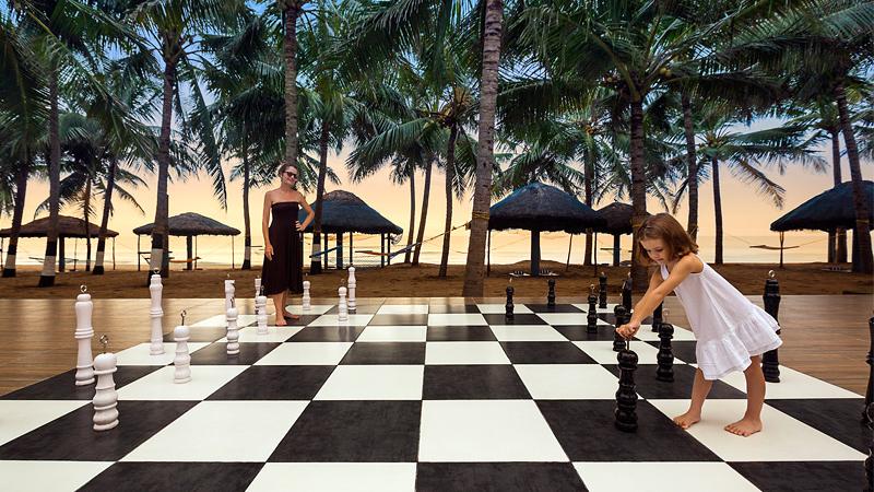 ideal-beach-resort-chess-board