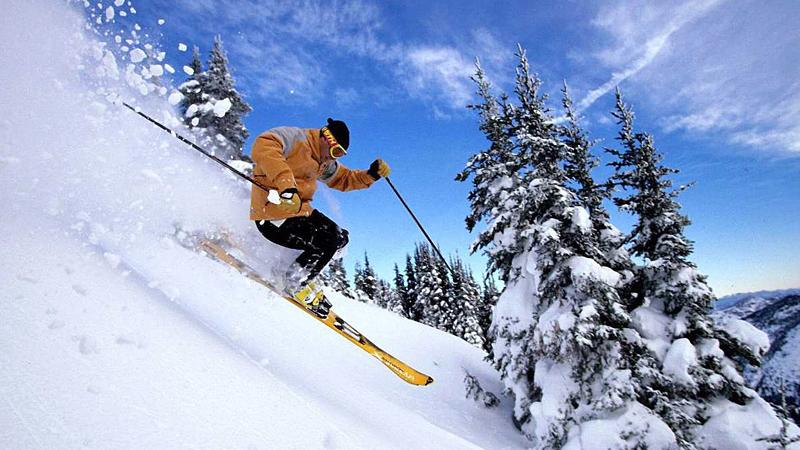 skiing-in-kufri-india