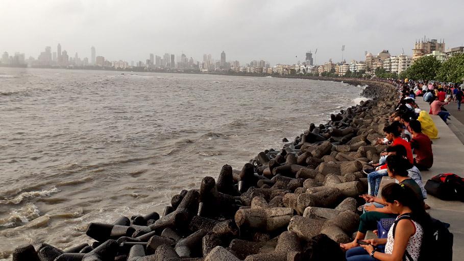 Marine_Drive_in_Mumbai_06