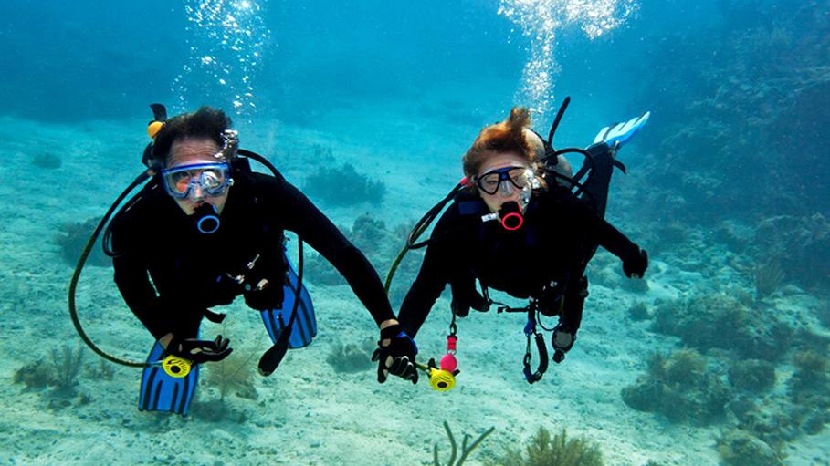 Scuba-Diving-Goa-couple